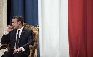 Emmanuel Macron est coprince d'Andorre, avec l'évêque d'Urgell, en vertu de la Constitution de la principauté d'Andorre.