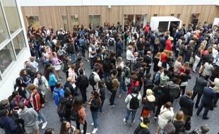 Les élèves débutent leur rentrée au lycée Lucie-Aubrac dans des locaux neufs, à Courbevoie. Le 3 septembre 2018.