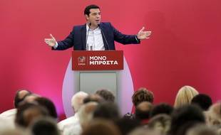 L'ex-Premier ministre grec Alexis Tsipras lors d'un meeting à Athènes le 29 août 2015.
