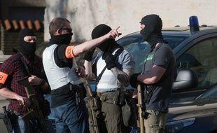 Policiers sécurisant la ville de Münster après qu'une camionnette a foncé dans la foule, le 7 avril 2018.