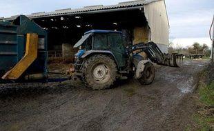 Un tracteur d'un agriculteur biologique en Normandie, le 20 janvier 2010.