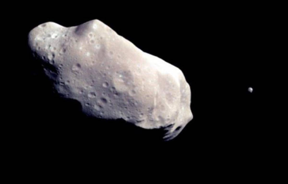 Un astéroïde de la taille d'un porte-avions passera à proximité de la Terre mardi et sera le plus gros à frôler notre planète depuis 1976, indique jeudi la Nasa sur son site internet, tout en soulignant qu'il n'y a aucun danger de collision. – Nasa afp.com