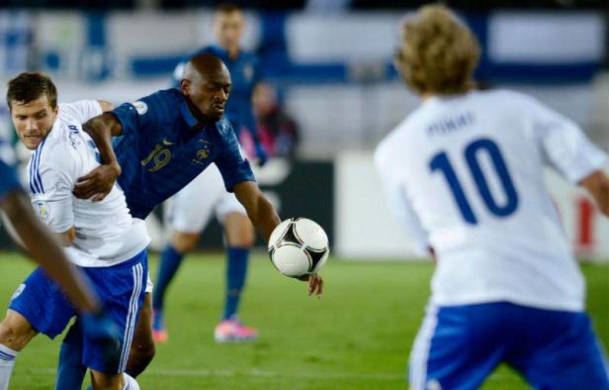 Abou Diaby, lors de la victoire 1-0 de l'équipe de France contre la Finlande, le 7 septembre 2012. – L.Lehtikuva/REUTERS