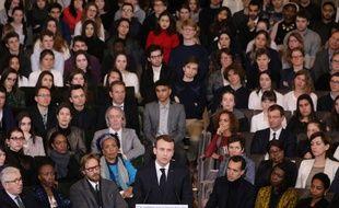 Emmanuel Macron prononce son discours sur la francophonie.