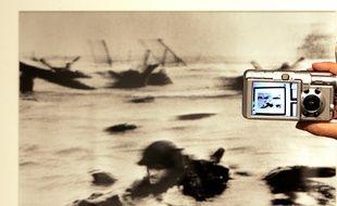 L'un des célèbres clichés de Robert Capa le 6 juin 1944 à Omaha Beach