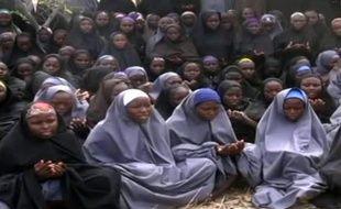 Capture d'écran d'une vidéo de Boko Haram transmise à l'AFP montrant les 200 lycéennes capturées au Nigéria.