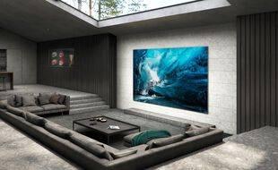 Une TV à 156.000$ avec une télécommande solaire