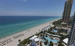 La plage de Sunny Isles Beach en Floride.