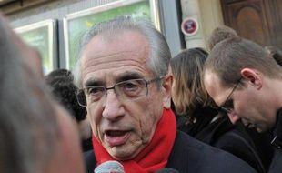 Le maire PS du IXe arrondissement Jacques Bravo ne se représentera pas dans le IXe arrondissement de Paris lors des élections municipales de 2014, a-t-il annoncé au Parisien jeudi.
