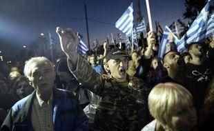 """Le Premier ministre grec Antonis Samaras a promis lundi une lutte """"sans relâche"""" contre la violence politique, après le meurtre de deux membres du parti néonazi Aube dorée, qui a suivi celui d'un musicien antifasciste en septembre."""