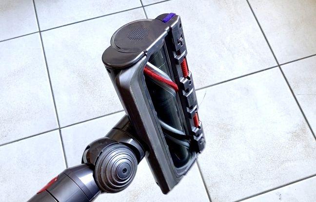 La brosse High Torque du Dyson V11 Absolute Extra adapte la puisse d'aspiration selon les surfaces.