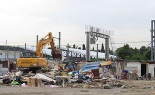 La communauté urbaine, propriétaire du site a entamé un déblaiement du site destiné à être vendu.