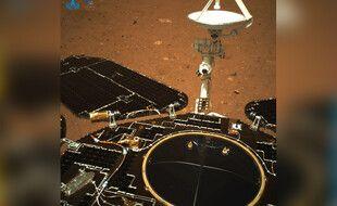 Le rover chinois Zhurong s'est posé sur Mars le 14 mai 2021.