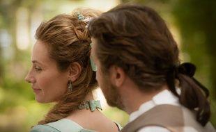 Cécile de France et Edouard Baer dans Mademoiselle de Joncquières d'Emmanuel Mouret