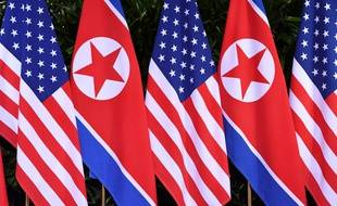 Des drapeaux américains et nord-coréens au sommet Kim-Trump.