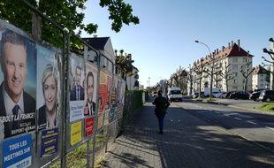 Dans le quartier du Neuhof, beaucoup de nouveaux votants sont venus en famille ou avec des amis.