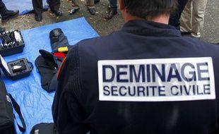Illustration.Toulouse, le 21 novembre 2012. une formation au déminage.