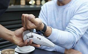 L'Apple Watch sert également à payer certains achats avec la solution Apple Pay.