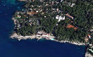 C'est au Cap d'Antibes que la vente de villas aurait été facilitée.