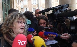 Gisèle Arnault, qui a perdu son père lors de la tempête, partie civile lors du procès en appel de la catastrophe Xynthia, lundi 4 avril 2016. / AFP / M.Fedouach