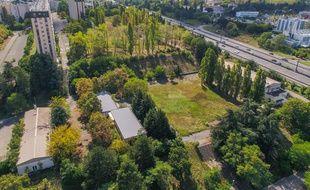 L'ancienne caserne Raby de Bron, érigée sur 16 hectares, va faire l'objet d'un vaste projet de reconversion.