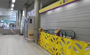 Après l'incident, l'escalator a été mis hors-service à la station de métro République.