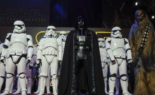 Dark Vador, ses Stormtroopers et Chewbacca lors de l'avant-première à Londres de l'Episode VII