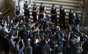 L'avocat de Salah Abdeslam lors de son procès en Belgique pour sa participation à une fusillade en 2016.