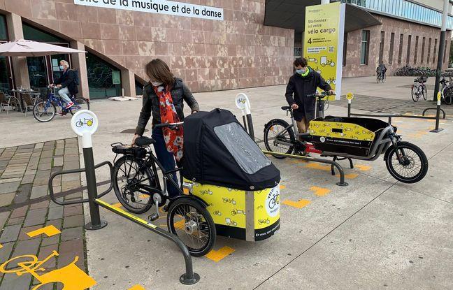 Prototypes d'arceaux à vélo cargo. Strasbourg le 12 octobre 2020.
