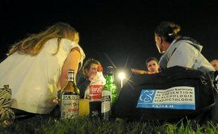 Véritables anges gardiens de la nuit nantaise, les Veilleurs de soirée discutent avec les lycéens et étudiants alcoolisés.