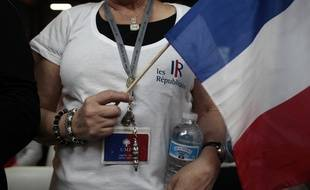 Une militante de l'UMP au congrès du 30 mai 2015 à Paris.
