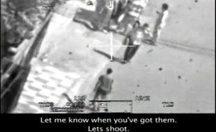 Capture d'écran de la vidéo diffusée par le site Wikileaks montrant un raid d'un hélicoptère de l'armée américaine.