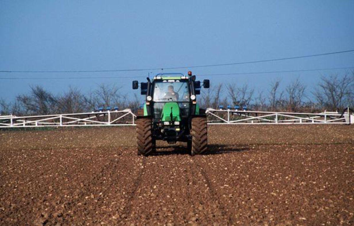 Pulvérisation de pesticides agricoles en France. – LECARPENTIER/SIPA