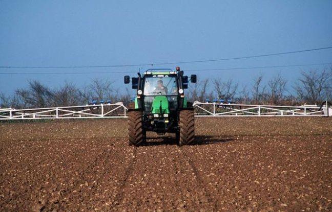 Pulvérisation de pesticides agricoles en France.