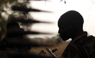 Un soldat sud-soudanais dans la région d'Unité (Soudan du Sud), le 24 avril 2012.