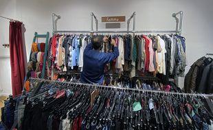 Le Club des Simone est une boutique d'échanges de vêtements qui a ouvert en septembre à Nice.