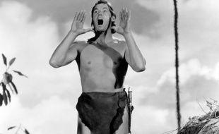 Johnny Weissmuller pousse son célèbre cri dans «Tarzan»