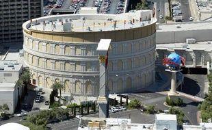 Vue de la reproduction du Colisée au Caesars Palace, célèbre casino de Las Vegas, le 31 mars 2014