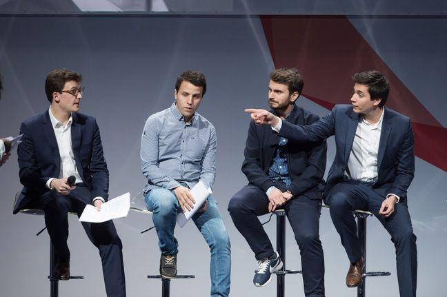 Les quatre cofondateurs des Jeunes avec Macron, le 17 mars 2018 lors de la convention nationale du mouvement.