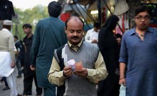 Tout a commencé par une enveloppe brune livrée par deux hommes à la résidence de Mohammad. A l'intérieur, une injonction qui a plongé l'homme d'affaires pakistanais dans un cauchemar de trois mois.
