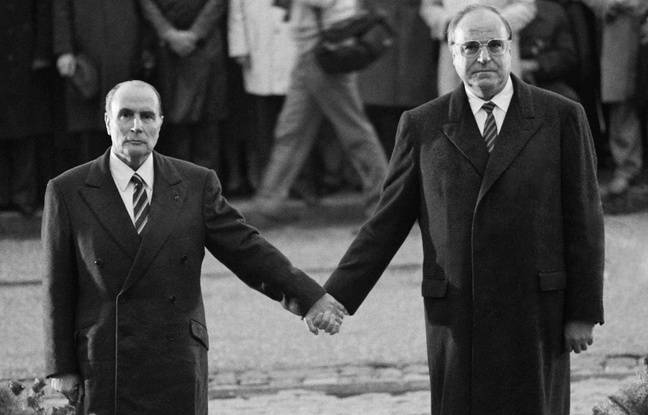 François Mitterrand et Helmut Kohl à la nécropole de Douaumont, en 1984.