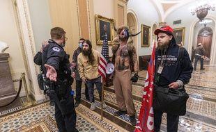 Des partisans pro-Trump dans le Capitole