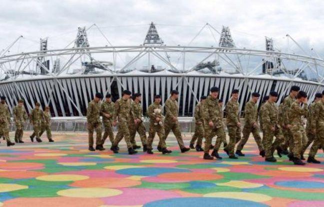 Le groupe britannique de sécurité G4S chutait lundi matin à la Bourse de Londres après avoir échoué à fournir assez de gardiens pour la protection des jeux Olypiques, ce qui pourrait lui coûter jusqu'à 50 millions de livres et surtout entâcher durablement sa réputation.
