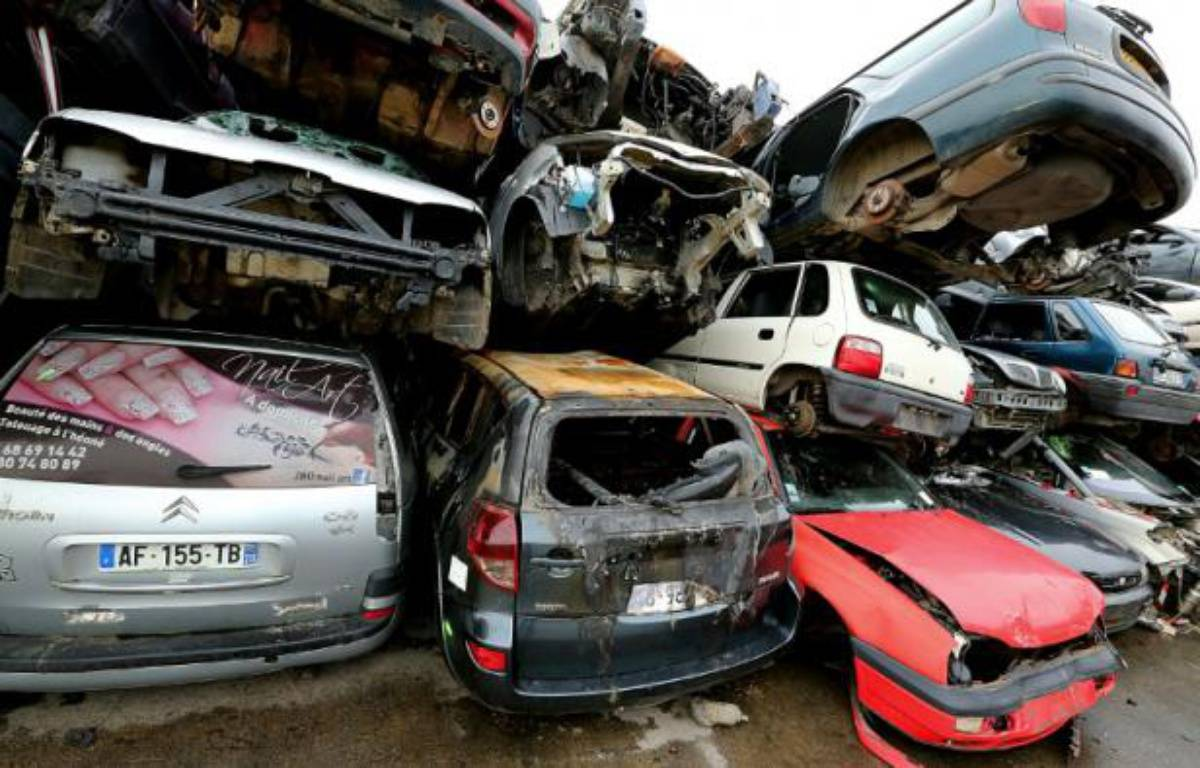 Epaves de voitures conservées chez Careco, société spécialisée dans la dépollution et le démontage des véhicules hors d'usage, le 28 janvier 2015 à Saint-Quentin dans le nord de la France – FRANCOIS NASCIMBENI AFP