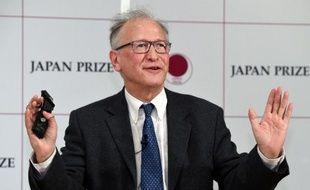 Le professeur au Collège de France Alain Fischer à Tokyo le 29 janvier 2015