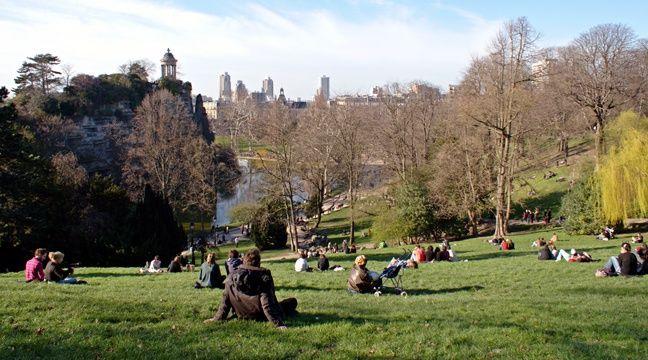 Paris un corps sans vie retrouv dans le parc des buttes chaumont - Supermarche ouvert dimanche montpellier ...