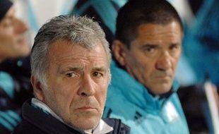 Erik Gerets et Dominique Cuperly sur le banc de l'Olympique de Marseille, face au Zenith St Petersbourg, le 06 mars 2008.