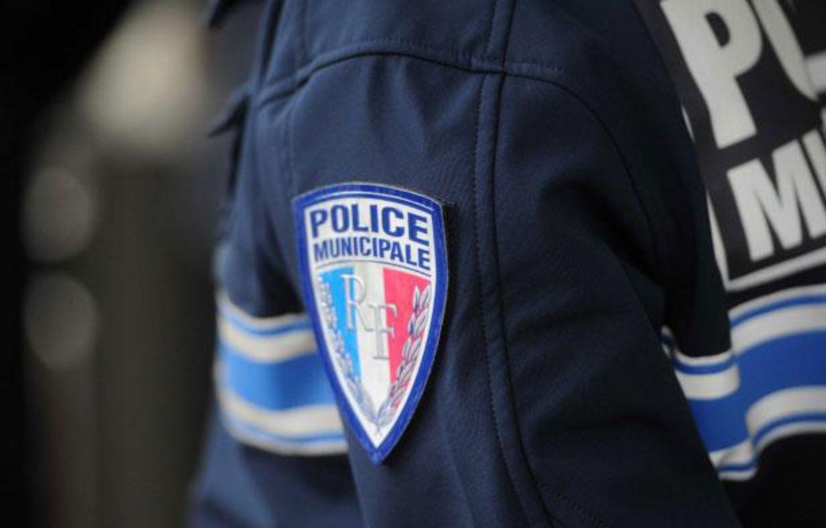 Illustration police: Un policier en uniforme en juin 2012. –  POL EMILE/SIPA