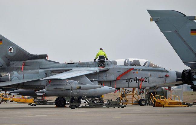 Allemagne: Un avion de chasse de l'armée perd deux réservoirs de carburant en plein vol