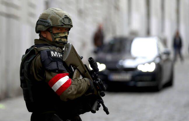 648x415 militaire autrichien patrouille illustration